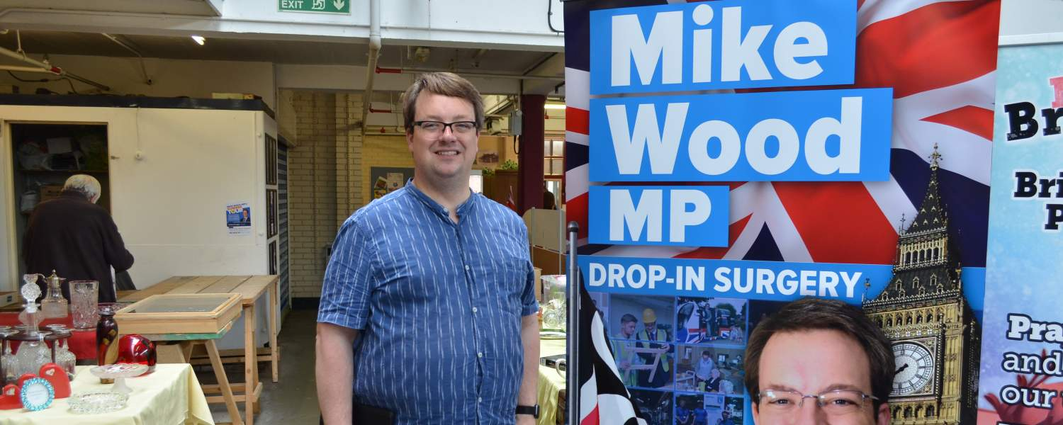 Mike holding an informal drop-in surgery at Brierley Hill market